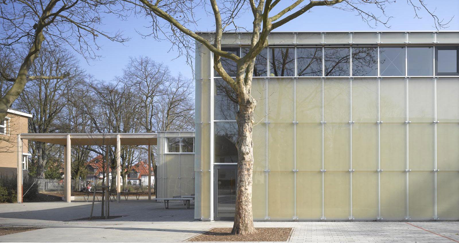 Sportbauten Sporthalle Käthe Kollwitz Frankfurt 6a